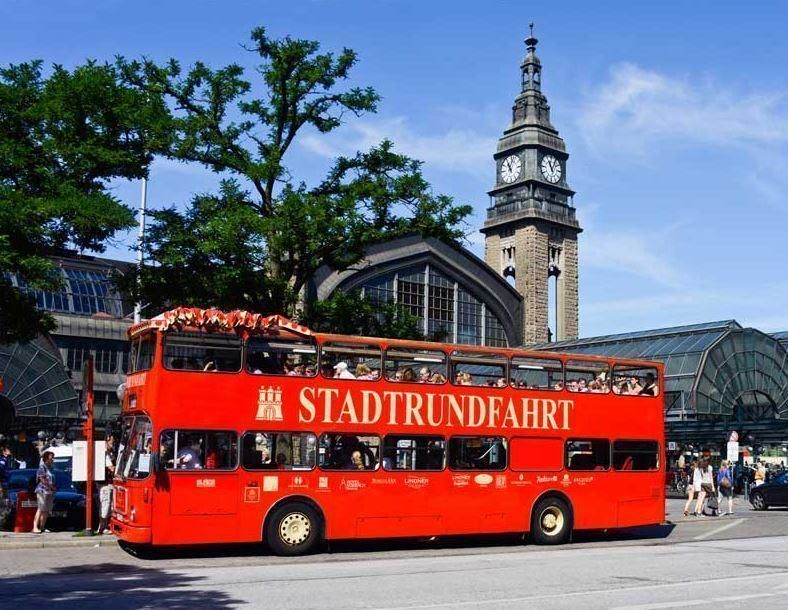 Discovery Tour Hamburg - Hop-on/Hop-off Tour, Harbour and Alster Cruise