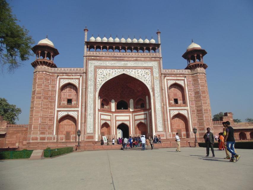 Agra: Full-Day City Tour with Taj Mahal