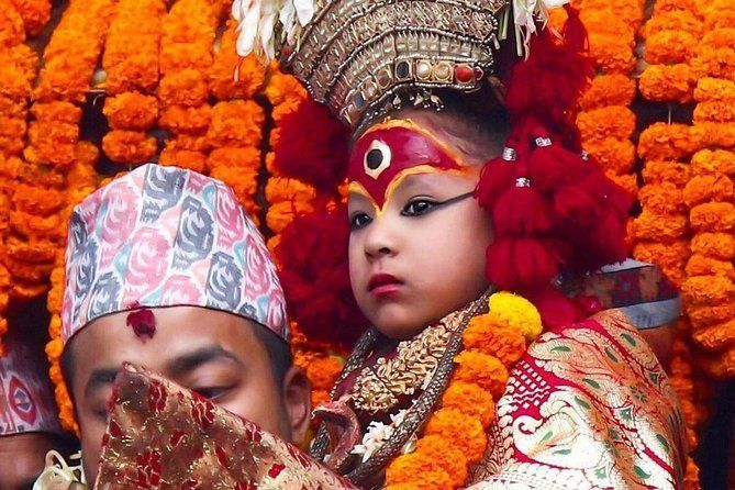 Private Day Tour to Kathmandu Durbar Square & Swayambhu Stupa #visitnepal2020