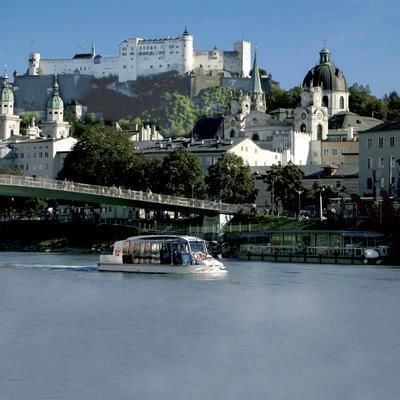 Panorama City Tour and boat on river Salzach