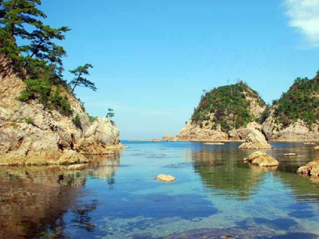 Special Sanshien and Lake Daijyu Sightseeing Taxi Tour with Airport Transfers