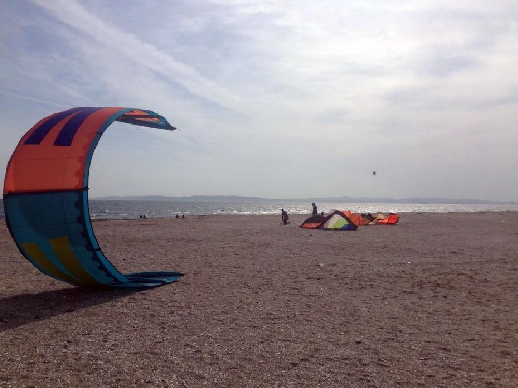 Half Day Ocean Kiteboarding Lesson in Aohori