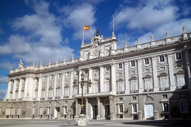 Hapsburg's Madrid Walking Tour - Historic Centre