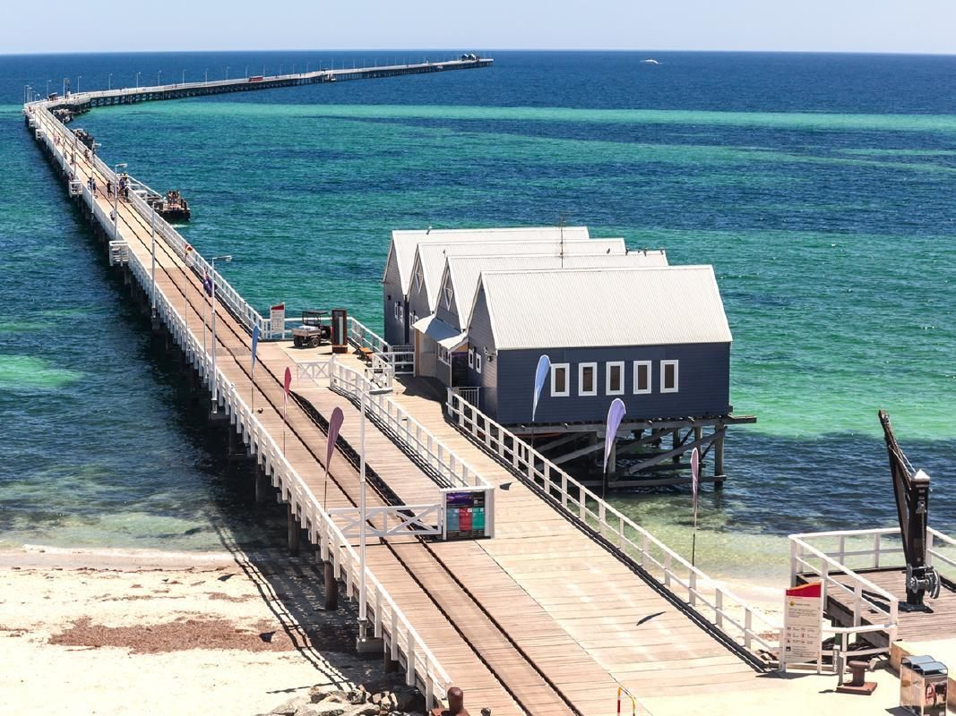 Margaret River, Busselton Jetty and Cape Leeuwin Lighthouse Day Tour from Perth