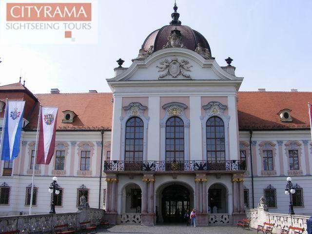 "Excursion ""The magic Hungary"" - castle Gödöllő and carriage ride"