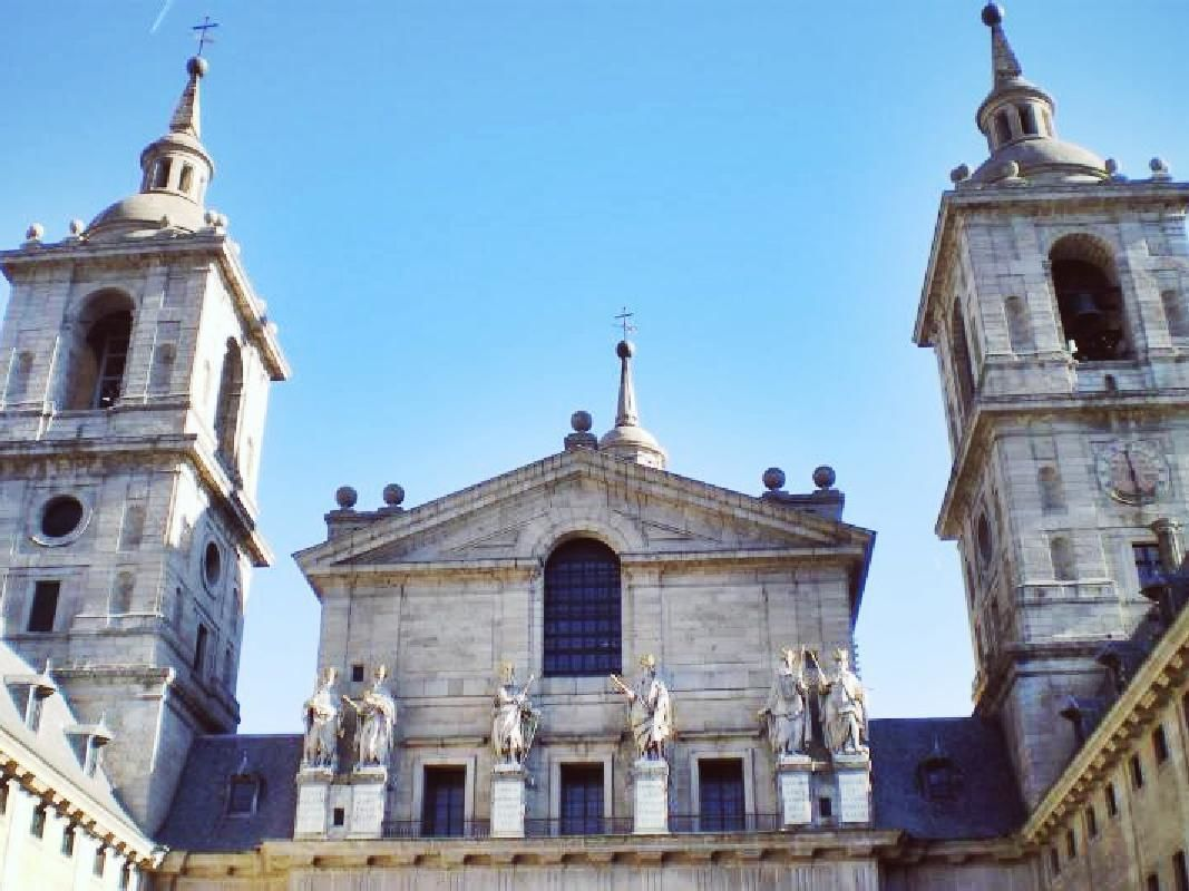 El Escorial and the Valley of the Fallen with Aranjuez Royal Palace Visit