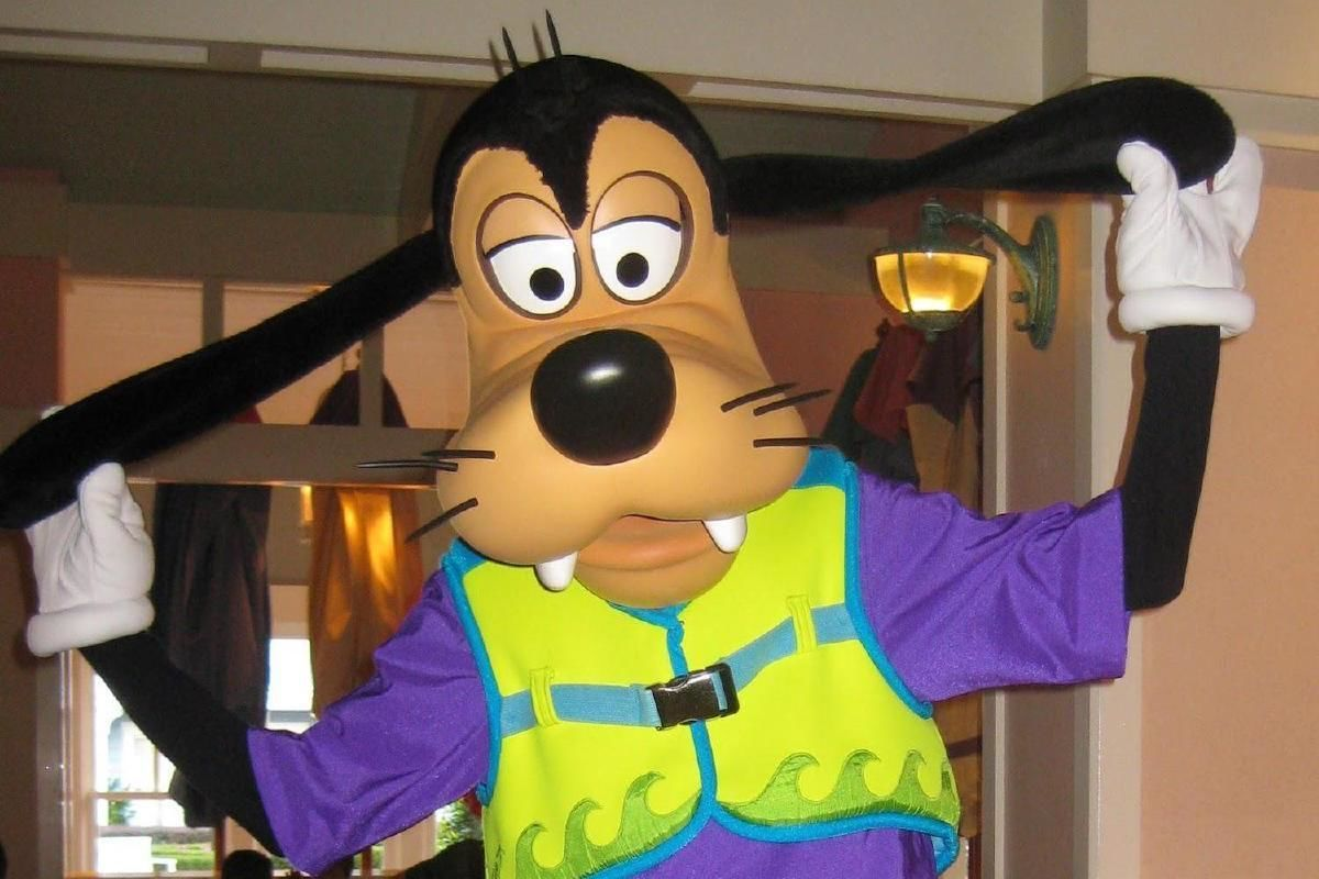 Minnie Mouse Beach Breakfast Bash & Limousine Ride