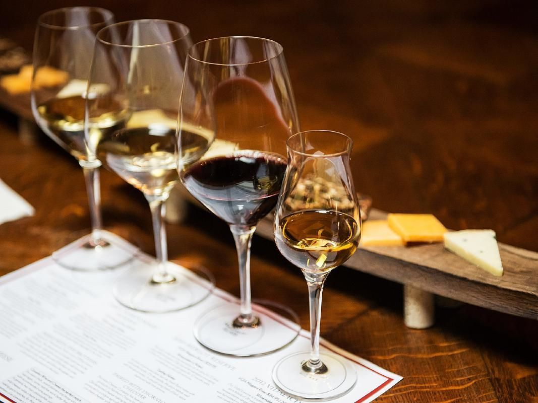 Langhe Wine Tasting Private Tour from Milan with Lunch