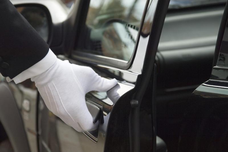 Departure Transfer to Abu Dhabi Airport - Car (4 Seater)