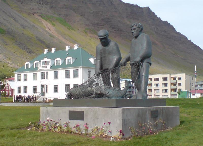 City Walk of Ísafjörður: An interesting journey through time
