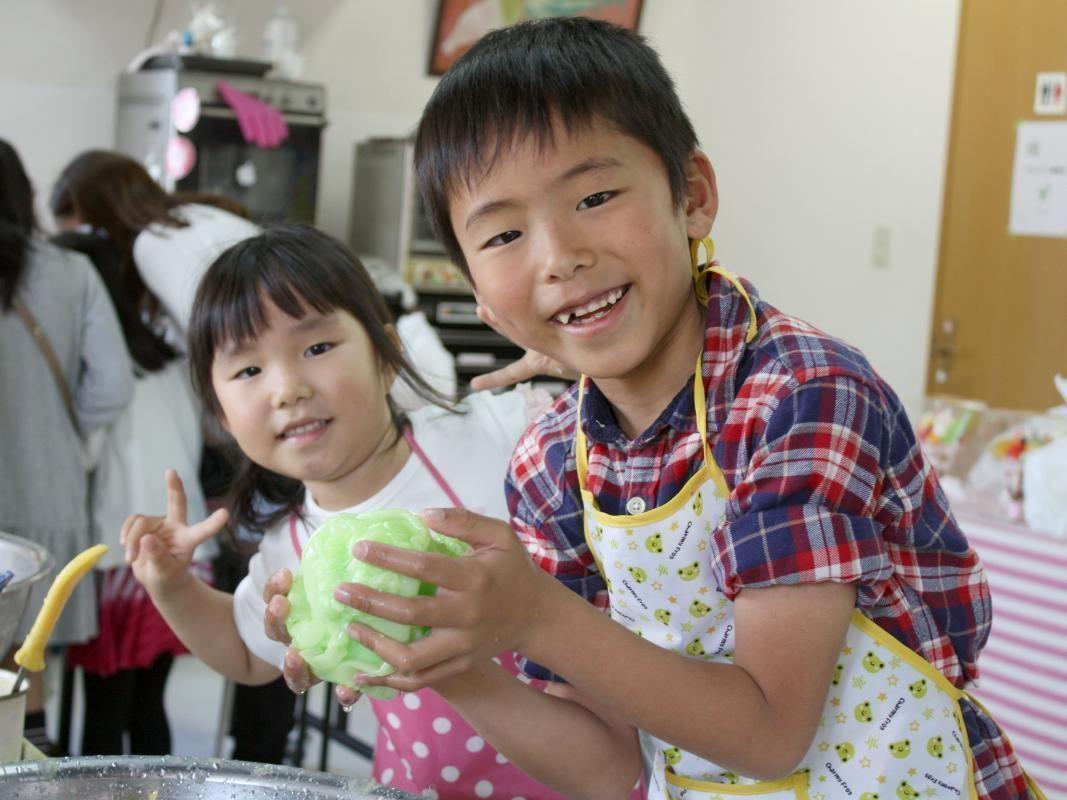 Japanese Plastic Food Sample Cake Making Experience in Fukuoka