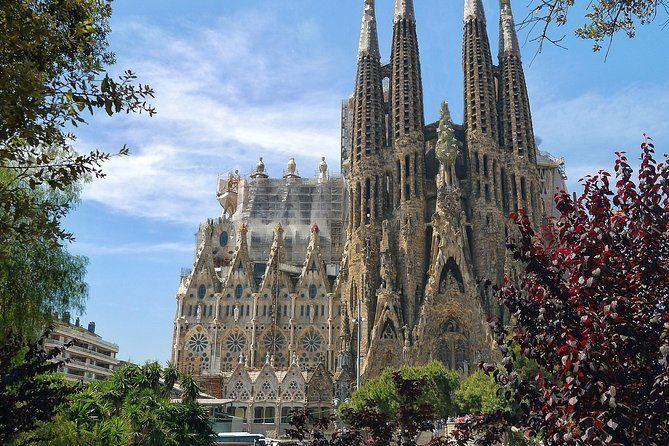 Sagrada Familia Skip the line Guided Tour