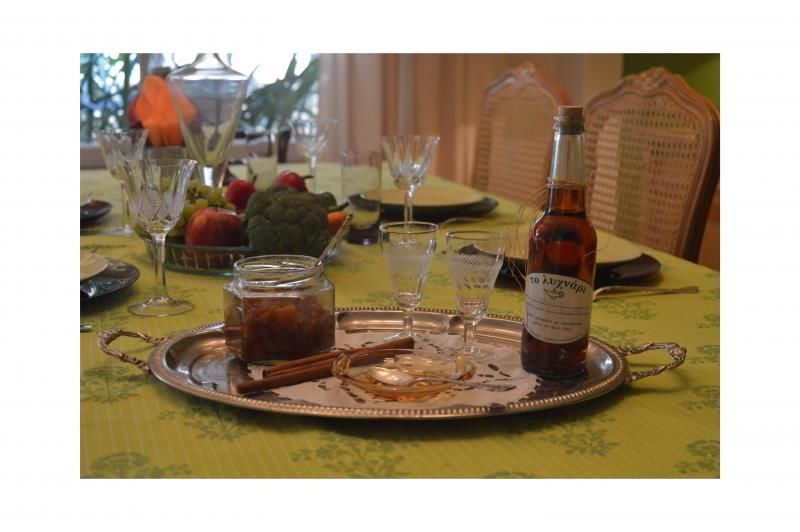 Athens: Private Dinner with a local family
