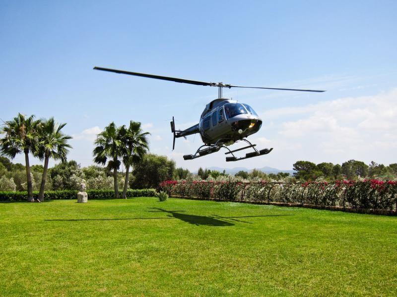 45 minutes scenic Flight above Palma de Mallorca - 5 persons