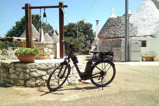 Smart & easy ebike tour in the Itria Valley: Martina Franca - Locorotondo