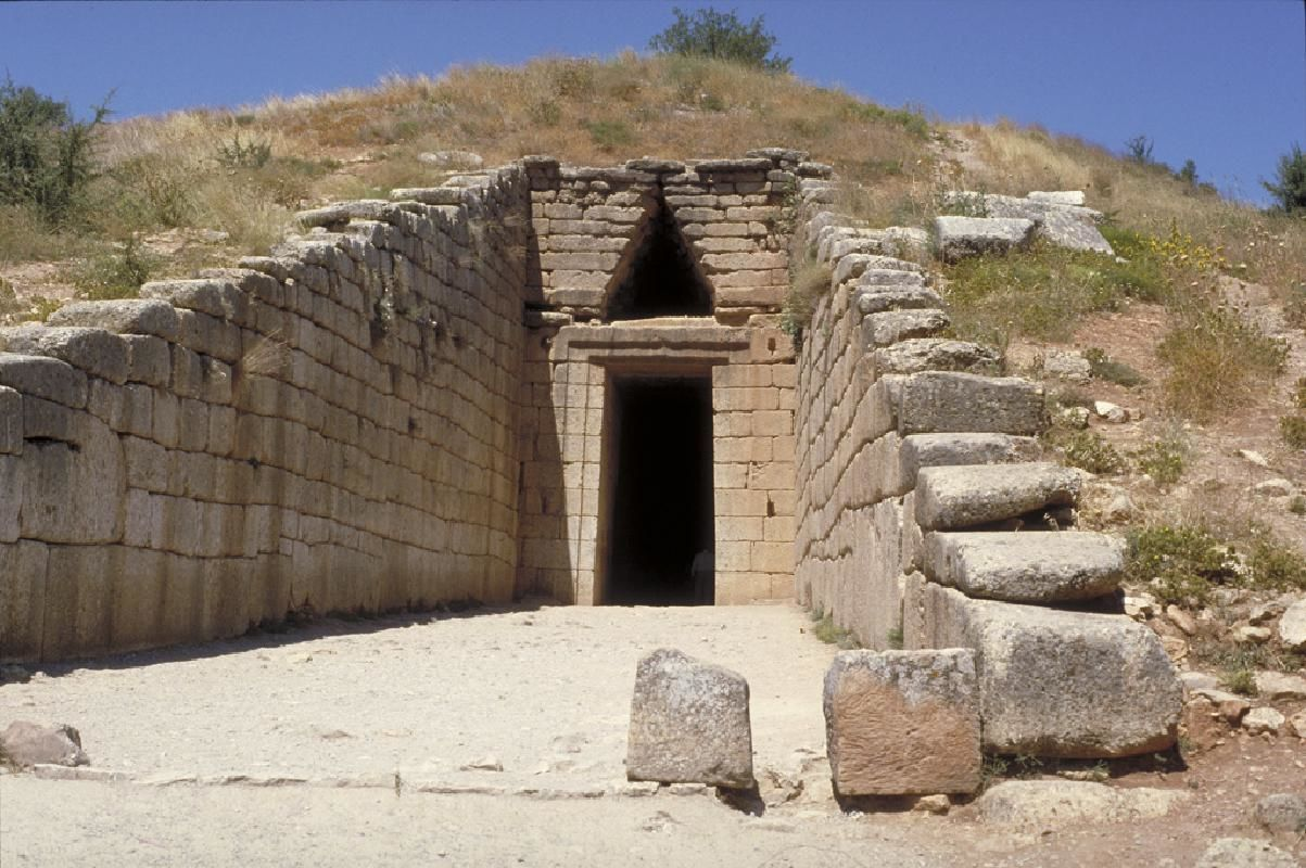 Classical Greece 4 Day Tour: Corinth, Olympia, Delphi, Meteora and Mycenae
