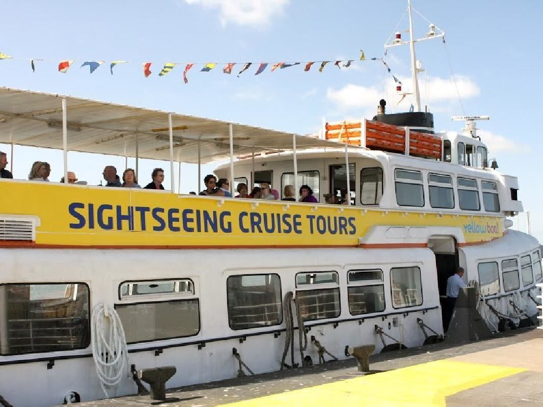 Lisbon 24-Hour Hop-On Hop-Off Sightseeing Cruise on the Tagus River