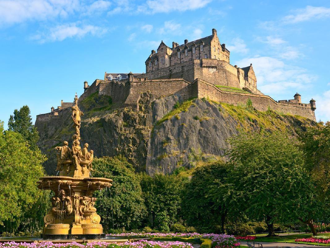 Walking Tour of Edinburgh Old Town and Royal Mile