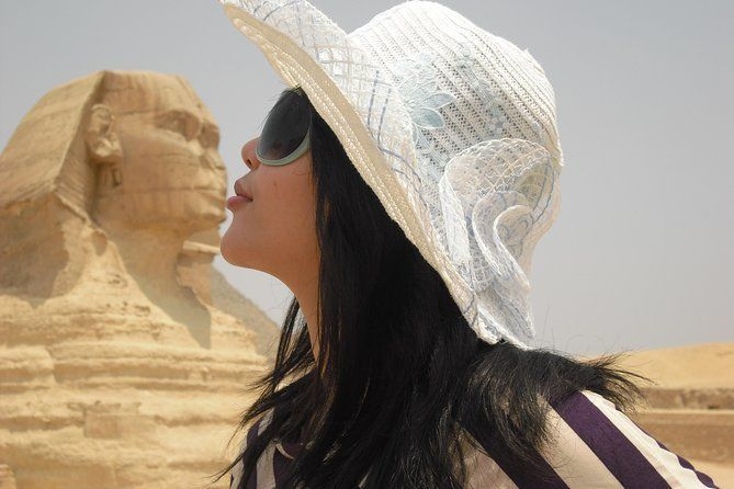 From Hurghada to Cairo by Flight Pyramids & the Museum Private Guide & Lunch Inc