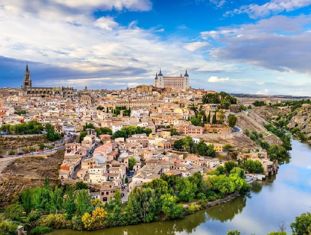 Hot Air Balloon Ride in Toledo with Traditional Brunch