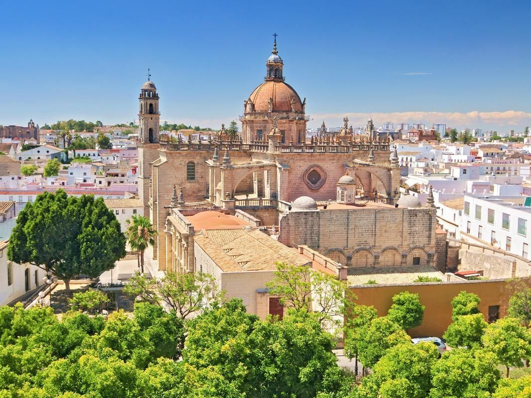 Jerez and Cadiz Full Day Tour from Seville with Wine Tasting