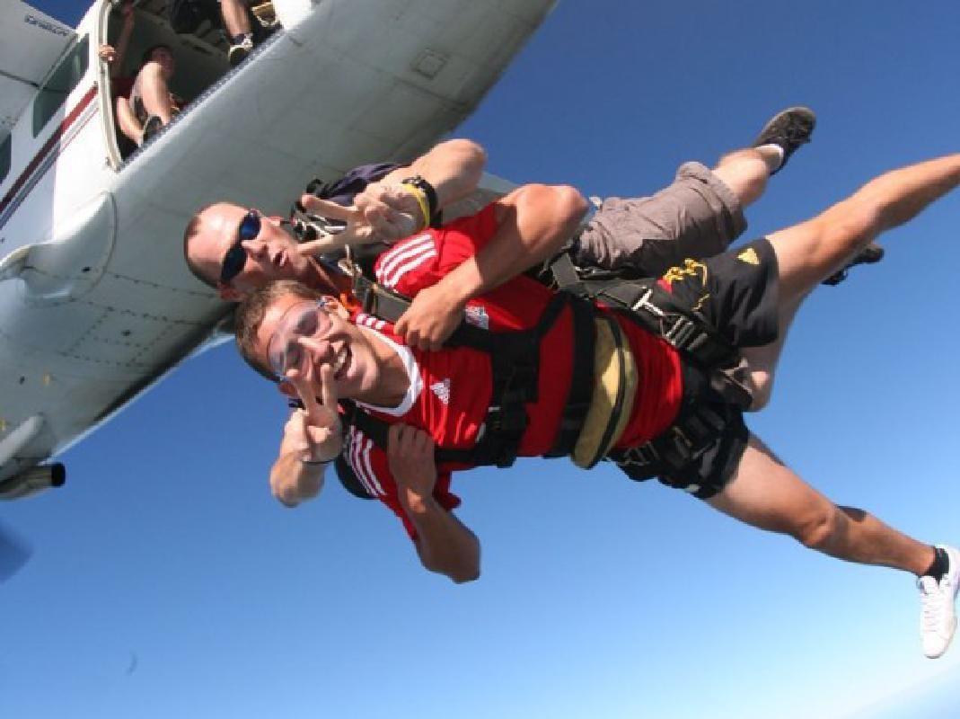Melbourne Tandem Skydive Experience Over St Kilda Beach