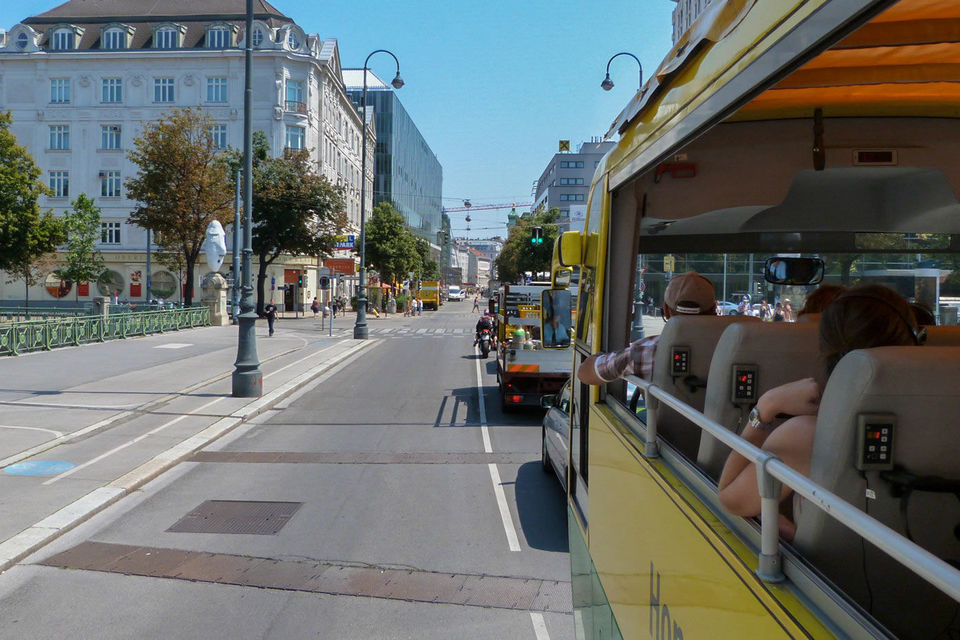Vienna 24-Hour Hop-On Hop-Off Bus and Walking Tour