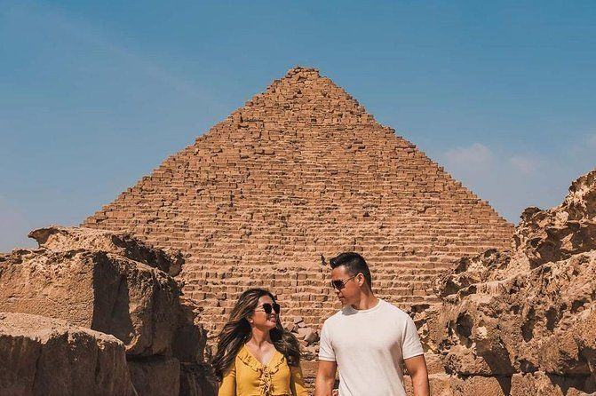Private Half-Day Tour of Giza Pyramids and Sphinx with Qualifed tourguide
