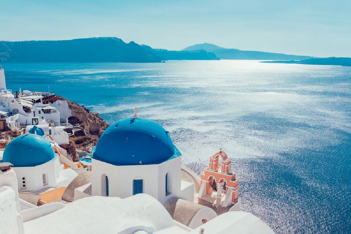Santorini 3 Day Package from Athens including Accommodation and Ferry Tickets