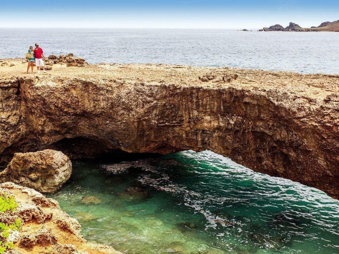 Discover Aruba – Half-Day Coach Tour