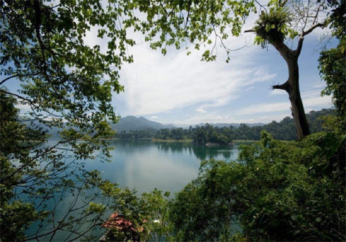 Kenyir Lake Tour from Kuala Terengganu with Picnic Lunch