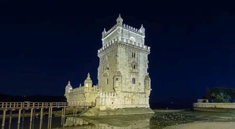 Lisbon By Night - 3hrs. Private Tour