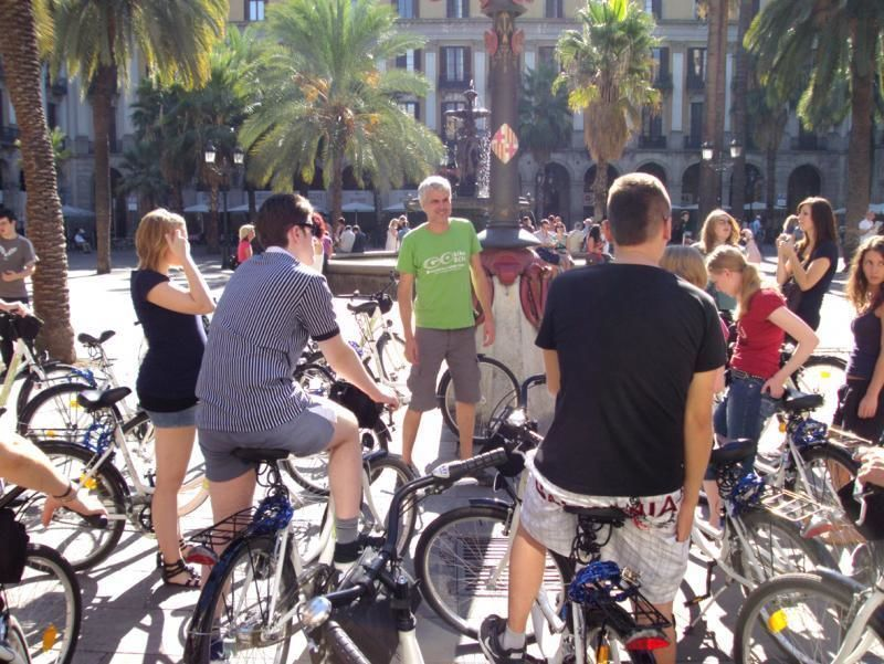 Private bike tour through Barcelona with tapas break