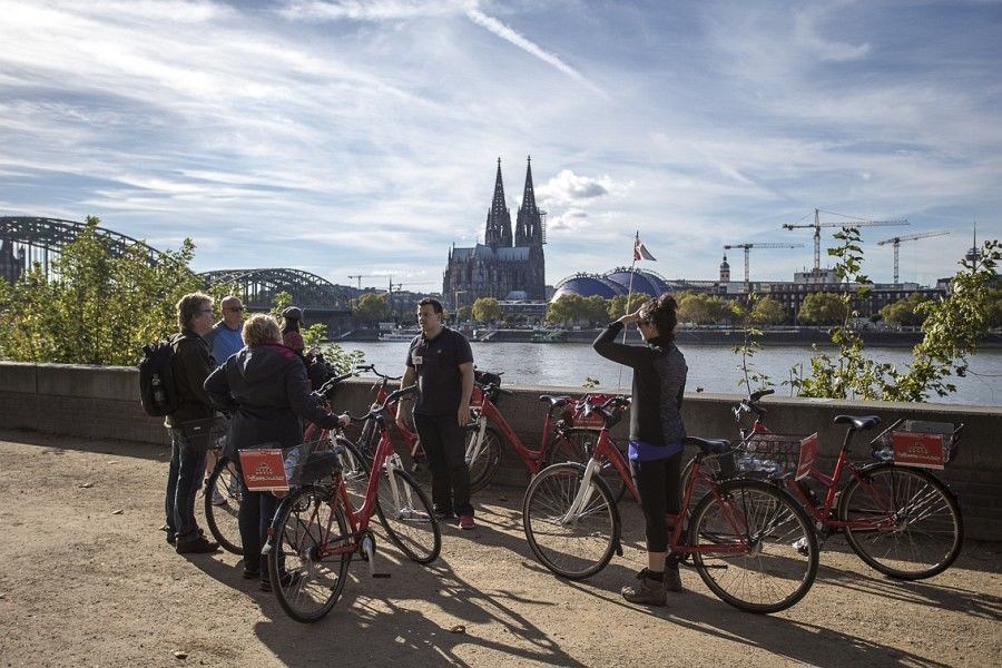 Cologne: 3-Hour Guided Bike Tour