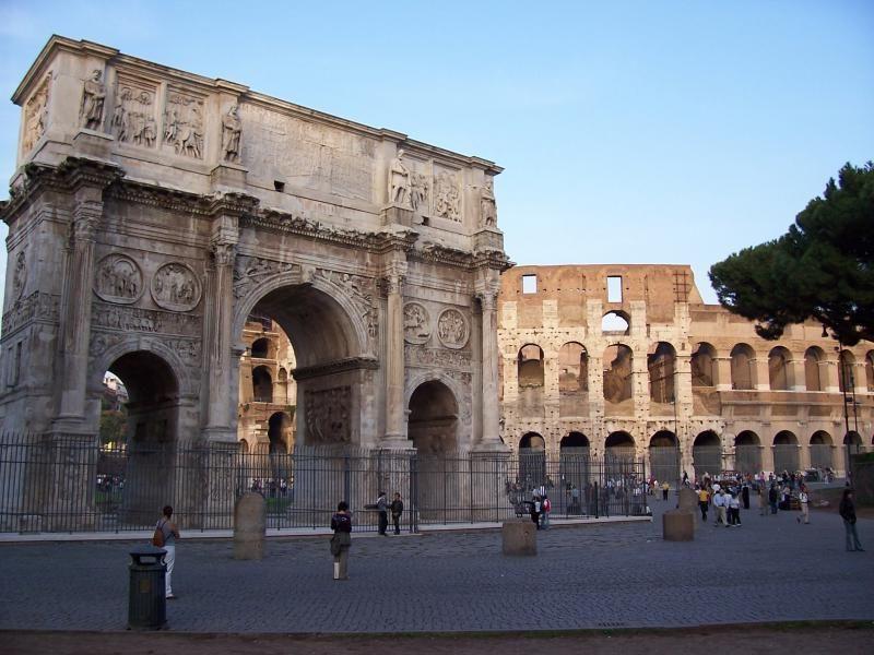 Full-day private city tour Rome - The secret Rome