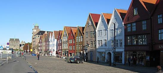 Bergen city tour: UNESCO World Heritage Site & Royal Fortress