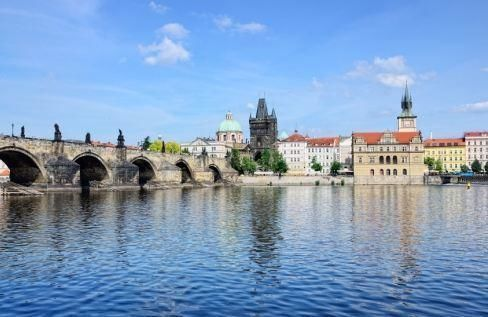 Hop-on/ Hop-off Bus City Tour Prague – 48h-Ticket