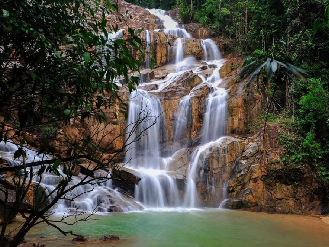 Private Tour of Panching Cave and Pandan Waterfall from Kuantan