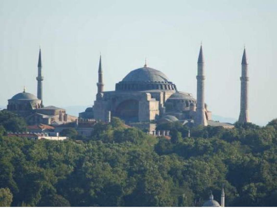 Private Istanbul Full-Day Tour to Rumeli Hisari Fortress and Bosphorus Cruise