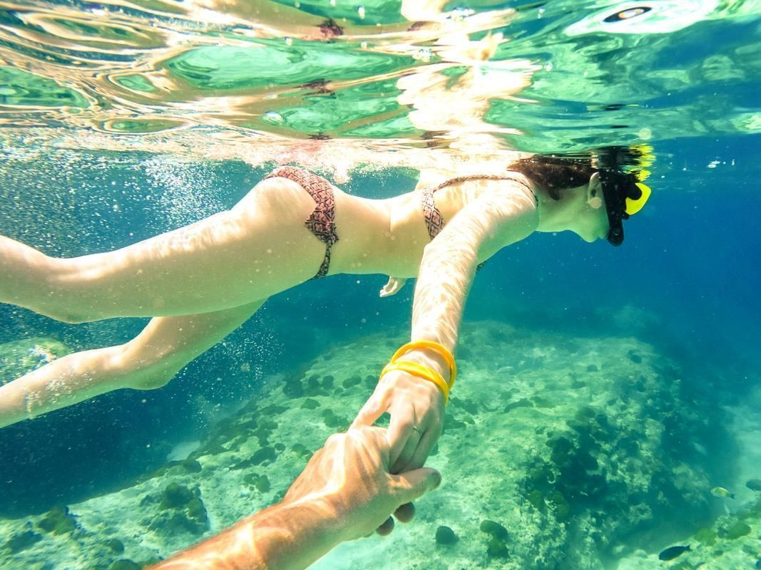 Great Barrier Reef Turtle Kayak Adventure in Cairns with Hotel Pick-Up