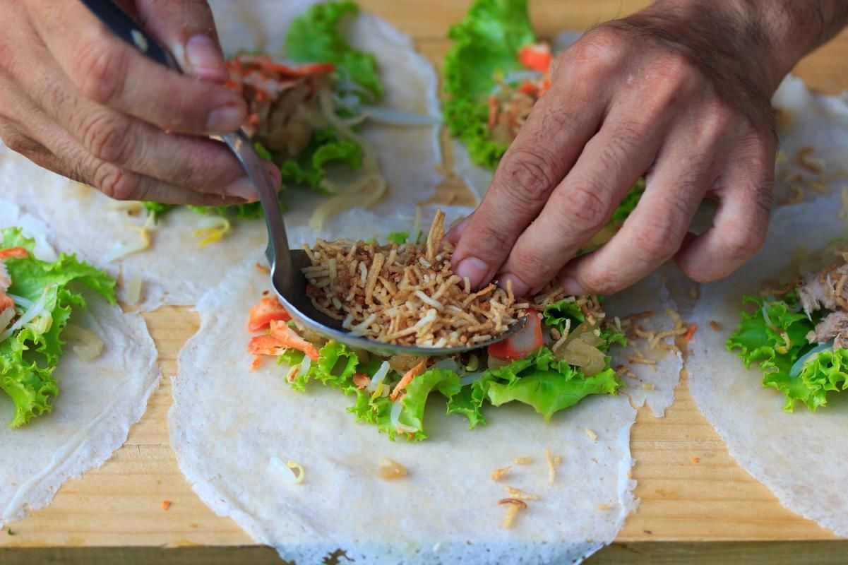 Vietnamese Cooking Class and Market Tour in Hanoi with Private Transfers