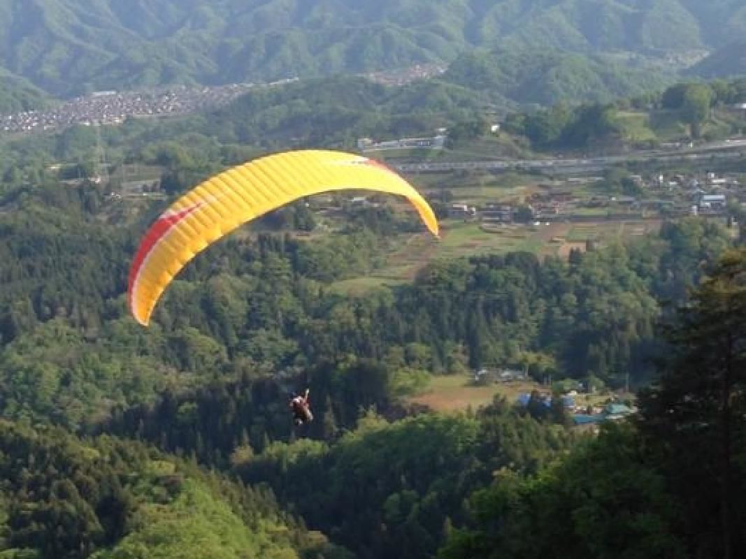2-Person Tandem Flight & Paraglider Experience near Tokyo in Uenohara City