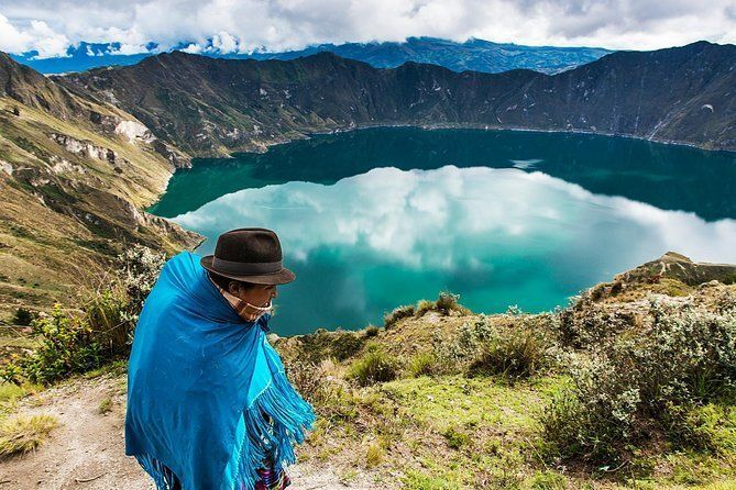 Shared Quilotoa Lagoon Tour from Quito