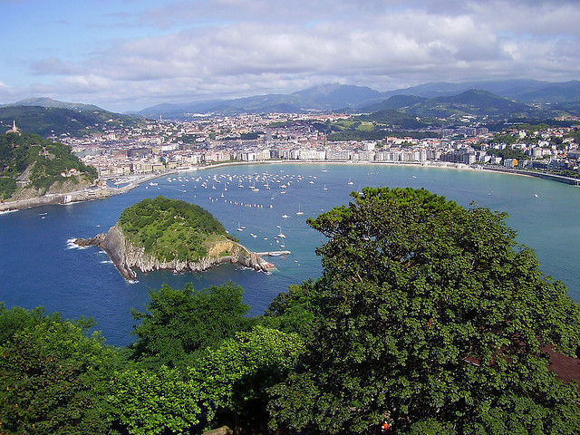 San Sebastian 1-Day Hop-On Hop-Off Bus Tour