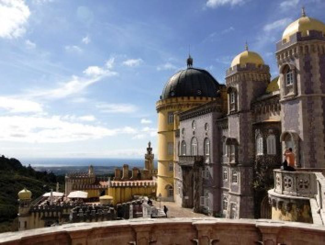 Lisbon and Sintra Full Day Private Tour with Pena Palace Visit