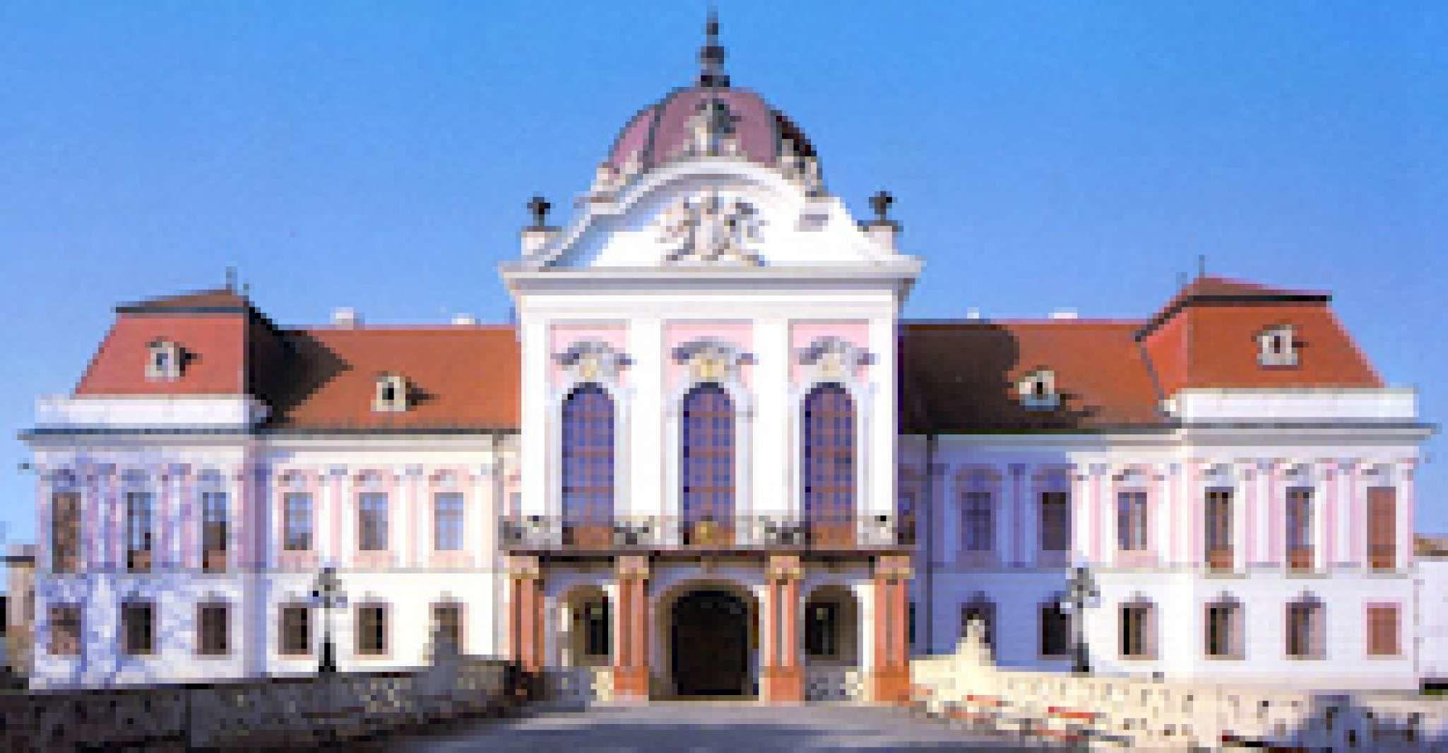 Budapest: Gödöllő Royal Castle & Pest City Park Private Tour