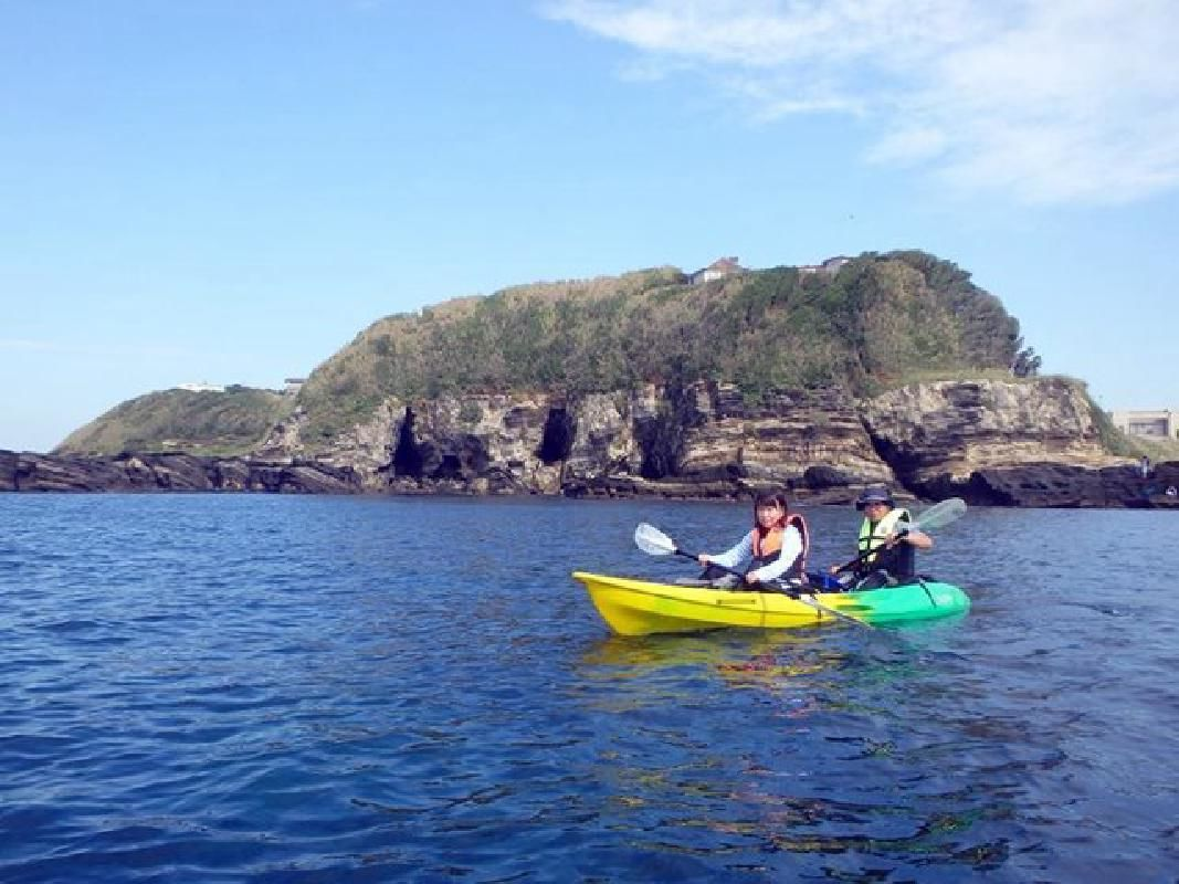 Sea Kayaking Experience Tour for Adults and Children in Miura