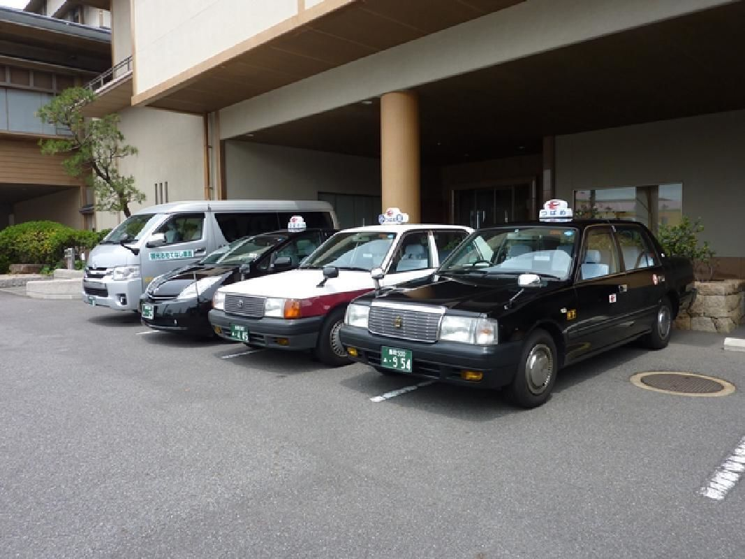 Private Full Day Sand Dunes and Castle Town Taxi Sightseeing Tour from Yonago