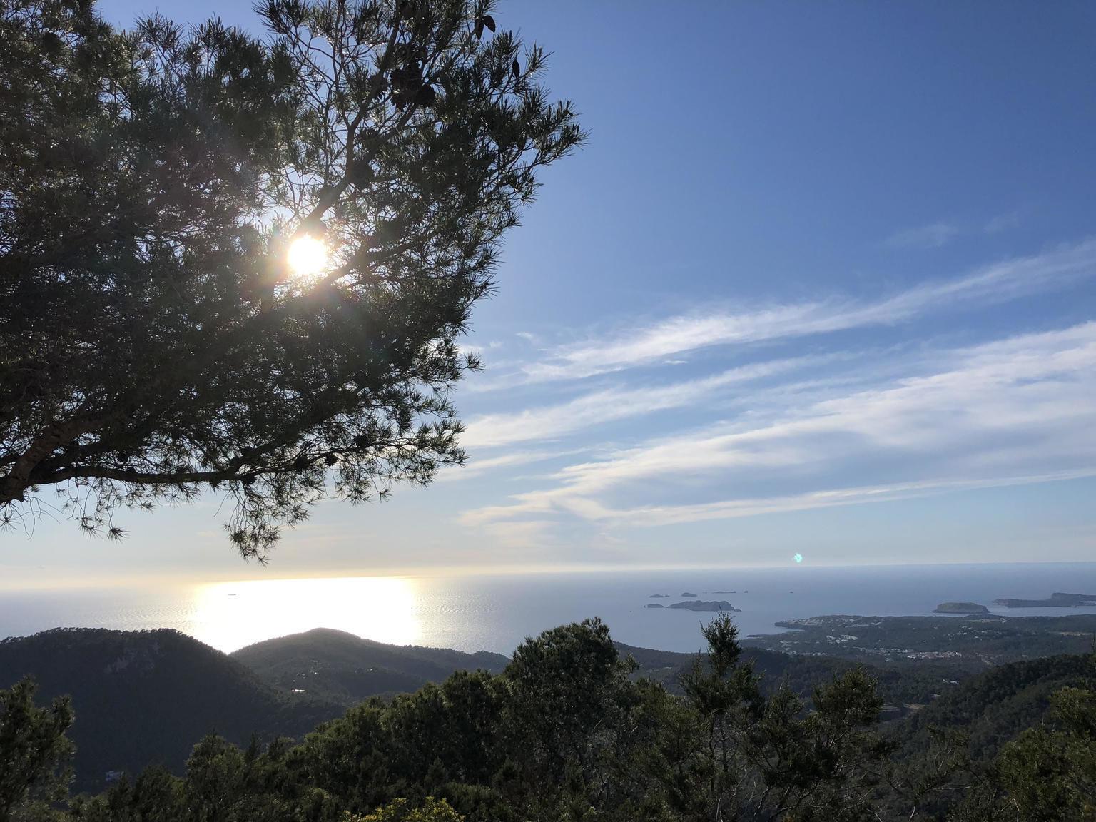 Ibiza Jeep Tour + picnic gourmet + padel