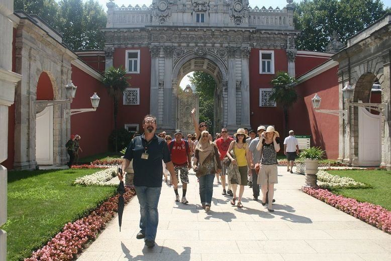 Day trip with Bosporus cruise incl. visit of the Dolmabahçe Palace